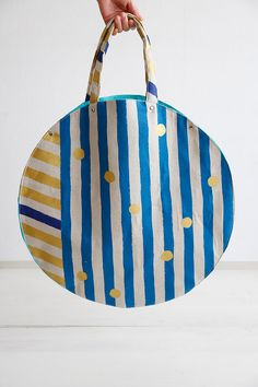 echino round handbag http://www.modes4u.com/en/cute/c231_Echino-Fabric.html