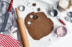 Making the ultimate Christmas gingerbread is easy with this simple recipe. Find this gingerbread recipe, & many more Christmas recipes, at Tesco Real Food. Gingerbread Reindeer, Gingerbread Train, Gingerbread Dough, Gingerbread Recipes, Creative Christmas Food, Xmas Food, Christmas Baking, Christmas Recipes, Christmas 2019