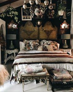 Modern Bedroom, Bedroom Decor, Bedroom Ideas, Master Bedroom, Fairy Bedroom, Bedroom Inspo, Maximalist Interior, Victorian Bedroom, Victorian Decor