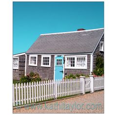 Love this front door. I want a beautifully colorful dutch door.