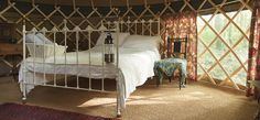 Antique bed in Rossetti