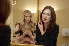 Amanda Seyfried & Julianne Moore in Chloe