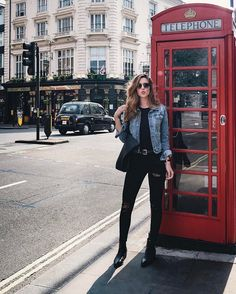 Do you like UK ? Black Boots, Black Jeans, Winter Outfits, Casual Outfits, Europe Outfits, Inspiration Mode, Outfit Goals, Special Occasion Dresses, Street Style Women