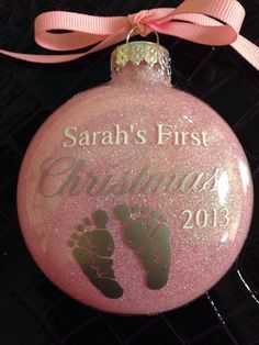 Baby first christmas diy etsy ideas Christmas Vinyl, Babys 1st Christmas, Baby First Christmas Ornament, Baby Ornaments, Glitter Ornaments, Personalized Christmas Ornaments, Diy Christmas Ornaments, Homemade Christmas, Diy Christmas Gifts