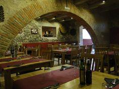 Ideas de #Edificios de #Restaurante, estilo #Tradicional diseñado por Carles Pagès Arquitecto Técnico con #Mesas de comedor  #CajonDeIdeas http://planreforma.com/es/