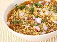 One can make many Indian snacks and variety of Indian chaats with hot and spicy ragada. The thick and spicy ragda made with dried white peas is a key for making tempting ragda patties, ragda samosa and ragda cutlet among many other Indian snacks. Veg Recipes, Indian Food Recipes, Vegetarian Recipes, Snack Recipes, Cooking Recipes, Ethnic Recipes, Cooking Tips, Jain Recipes, Kitchens