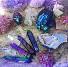 Happy Friday the beauties! All the crystals pictured here are available in my shop right meow! I hope you all have a WONDERFUL and lucky Friday the ☠ Crystal Magic, Crystal Healing, Crystals And Gemstones, Stones And Crystals, Crystal Aesthetic, Cool Rocks, Mineral Stone, Rocks And Gems, Rocks And Minerals