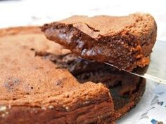 Ultimate Fudgy Brownies have 4 different types of chocolate to satisfy all your chocolate needs. Fudgy, rich, decadent, and perfect with a glass of milk. One Bowl Brownies, Best Brownies, Fudgy Brownies, Best Brownie Recipe, Brownie Recipes, Dessert Recipes, Snacks Recipes, Apple Recipes, Cooking Recipes
