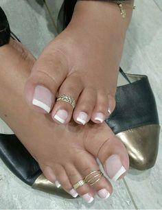 Pretty Toe Nails, Pretty Toes, Nice Nails, Pretty Ebony, French Toes, Michael Jordan Art, Long Toenails, French Pedicure, Feet Nails