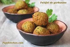 Faláfel de garbanzos, receta vegetariana. Lebanese Recipes, Indian Food Recipes, Baby Food Recipes, Veggie Recipes, Vegetarian Recipes, Healthy Recipes, Cooking Recipes, Ethnic Recipes, Going Vegetarian