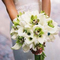 calla lily and orchid bouquet.bingo bouquet for my wedding someday Summer Wedding Bouquets, Wedding Table Flowers, Bride Bouquets, Flower Bouquet Wedding, Wedding Centerpieces, Wedding Summer, Boquet, Trendy Wedding, Wedding Ideas