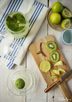 Eau detox citron vert-kiwi-menthe Kiwi, Camembert Cheese, Simple, Food, Key Lime, Fruits And Veggies, Healthy Drinks, Drink Recipes, Essen