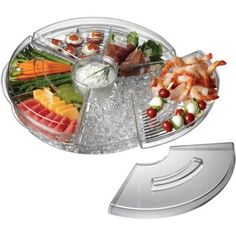 Rotating Appetizers-On-Ice Tray with Lids has six divided sections for appetizers; the ice tray can be used for a chip and dip bowl for casual parties. Chefs, Food Trays, Wedding Catering, Kitchen Gadgets, Kitchen Stuff, Kitchen Appliances, Smart Kitchen, Cooking Gadgets, Kitchen Gifts