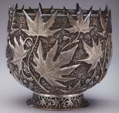 #LGLimitlessDesign & #Contest  The dark silver look of this bowl with maple tree leave design goes so well with my vision!  It would make a great addition to my kitchen as a fruit bowl.
