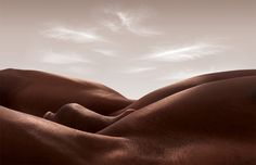 Muscular Body Parts Create Stunning Abstract Landscapes - Created by London-based photographer Carl Warner, Bodyscapes is a creative project featuring this new and unconventional style that blends portraits with landscapes.