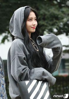 Lovely Twice Photo Part 30 - Visit to See Kpop Girl Groups, Korean Girl Groups, Kpop Girls, Nayeon, Asian Woman, Asian Girl, Hirai Momo, Dahyun, Kpop Outfits