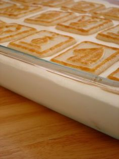 I make this when i make banana pudding. Dont have picn but rate it a Paula Deen's Banana Pudding- I had this yesterday it was crazy-delicious! (If banana pudding cake batter had a baby, it would taste like this! Banana Pudding Chessman Cookies, Banana Pudding Cake, Banana Pudding Recipes, Milk Recipes, Sweet Recipes, Dessert Recipes, Fun Recipes, Just Desserts, Healthy Recipes