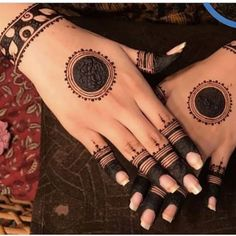 Best 11 Mehndi henna designs are always searchable by Pakistani women and girls. Women, girls and also kids apply henna on their hands, feet and also on neck to look more gorgeous and traditional. Circle Mehndi Designs, Mehndi Designs Book, Finger Henna Designs, Mehndi Designs 2018, Mehndi Designs For Beginners, Mehndi Designs For Girls, Bridal Henna Designs, Mehndi Design Pictures, Mehndi Designs For Fingers