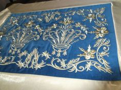 Maras isi ****** Sims, Sewing Projects, Tapestry, Embroidery, Pillows, Antiques, Vintage, Inspiration, Design