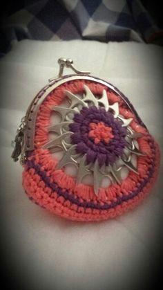 Monedero coral y lila