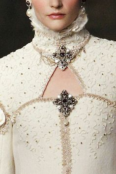 Chanel pre-fall 2013 - reminiscent of the Elizabethan era