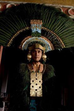 Native American Beauty, American Spirit, Aztec Headdress, Aztec Culture, Aztec Warrior, Aztec Art, Indian Tribes, Mesoamerican, Mexican Designs