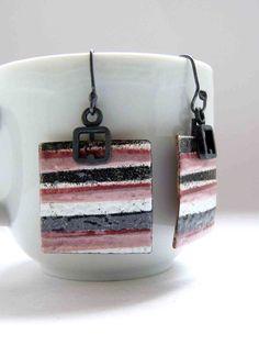Enamel earrings Striped earrings I Pink white dark by aforfebre