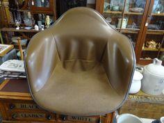 Vintage-Original-Mid-Century-Modern-Herman-Miller-Fiberglass-Chair