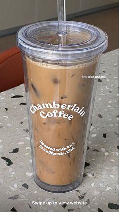 I Love Coffee, Coffee Break, Iced Coffee, Coffee Time, Coffee Drinks, Coffee Shop, Cream Aesthetic, Aesthetic Coffee, Aesthetic Food