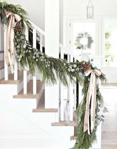 38 Cool And Fun Christmas Stairs Decoration Ideas 20 Christmas Porch, Farmhouse Christmas Decor, Blue Christmas, Beautiful Christmas, Christmas Wreaths, Classy Christmas, Cheap Christmas, Rustic Christmas, Merry Christmas