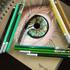 Finito il nuovo occhio!!!!! vi piace? You like? #eyes #eye #likeart #drawings #drawing #sketchbook #sketch_daily #arts_help #art_motive #worldofartists #bestartfeatures #creativempire #create #blvart #creative_instaarts #aartistic_dreamers #arts_realistic #art_spotlight #art_empire #arts_gallery #disegno #color #pastelpencils #triplesartists #art_spotlight