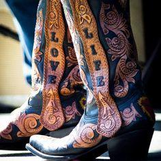 Love life #cotww #instafashion #instagood #styleinspiration #fashion #shoelover #boots #style #styleguide #styleicon