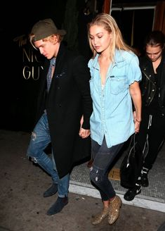 Gigi Hadid leaving dinner with Cody Simpson (11/25/2014)
