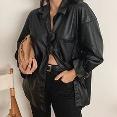 Victoria YAMAGATA (@victoriayamagata) • Fotos e vídeos do Instagram Yamagata, Raincoat, Leather Jacket, Victoria, Jackets, Instagram, Fashion, Rain Jacket, Studded Leather Jacket