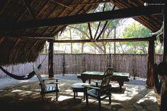 El glamping fue construido alrededor de una vegetación única extinguida de esta hermosa región y está localizado justo al lado de la playa. Los manglares preservados de la zona son las casas de los pájaros exóticos, pequeños mamíferos y reptiles.