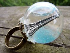 Eiffle Tower snow globe ring