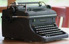 Vintage Steampunk  Machine Age Woodstock Typewriter