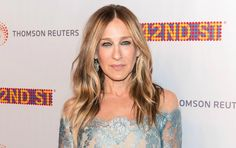 Sarah Jessica Parker Spills Her Hair and Beauty Secrets #BeautyHacksForTeens Sarah Jessica Parker, Diy Beauty Secrets, French Beauty Secrets, Beauty Tips, Beauty Hacks Skincare, Beauty Products, Beauty Hacks For Teens, Natural Beauty Remedies, Beauty Must Haves