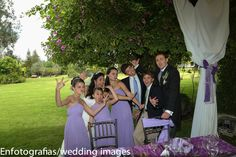Fotos entretenidas no deben faltar en tu boda le da una lectura especial al día de tú boda son fotografías que ayudan en la edición de tu foto libro