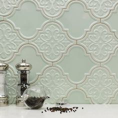 Arabesque Tile Backsplash Stunning Simple by no means go out of styles. Arabesque Tile Backsplash Stunning Simple is usually Deco Stickers, Interior Design Minimalist, French Country Kitchens, Country Bathrooms, Country Farmhouse, Country Decor, Country Style, Modern Farmhouse, Farmhouse Decor