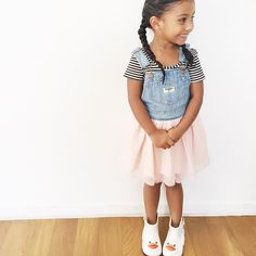 Look at your daughter 👀 Cute Kids Fashion, Girl Fashion, Little Girl Outfits, Kids Outfits, Cute Mixed Kids, Cute Babies, Baby Kids, Crown For Kids, Baby Couture