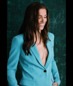 Alex Morgan Graduation Photoshoot, All American Girl, Hottest Female Celebrities, Flawless Beauty, Alex Morgan, Poses For Photos, Role Models, Soccer, Blazer