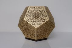 HYBYCOZO Dodecahedron Table Light