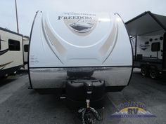 New 2018 Coachmen RV Freedom Express 281RLDS Travel Trailer at Stoltzfus RVs | Adamstown, PA | #15765