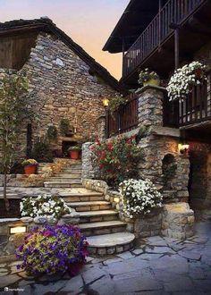 angolo del Castello di Darany ,Saint Nicolas,Valle d'Aosta,Italia ©Ph.Ris