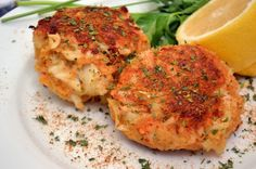 The Ultimate Maryland Style Crab Cakes- all lump, low filler