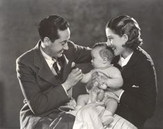In star actress Norma Shearer and producer genius Irving Thalberg married, becoming Hollywood's main power couple. Old Hollywood Movies, Hollywood Icons, Vintage Hollywood, Classic Hollywood, Hollywood Party, Hollywood Glamour, Hollywood Actresses, Norma Shearer, Loretta Young