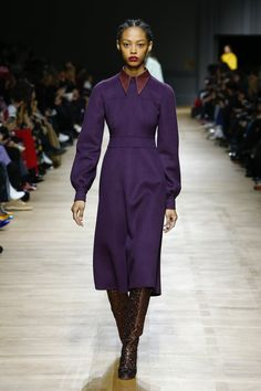 https://www.vogue.com/fashion-shows/fall-2018-ready-to-wear/rochas/slideshow/collection#27