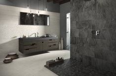 20 Modern Bathrooms With Black Shower Tile Stone Shower, Shower Floor Tile, Stone Bathroom, Master Bathroom, Minimalist Showers, Minimalist Bathroom, Black Shower, Stone Flooring, Bathroom Flooring
