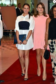 Pauline Ducruet et Camille Gottlieb soutenaient leur mère la princesse Stéphanie de Monaco le 10 juillet 2015 au Sporting de Monte-Carlo lors du gala annuel au profit de l'association Fight Aids Monaco, présidée par la princesse Stéphanie de Monaco.
